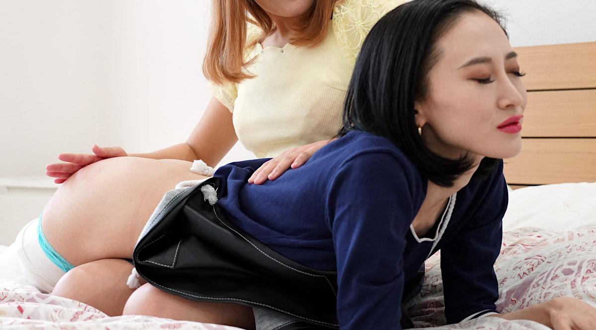 Girls-Spanked-@-Sound-Punishment Hand-Spanking.com Japanese Girl-Girl Spanking Movie and Photos